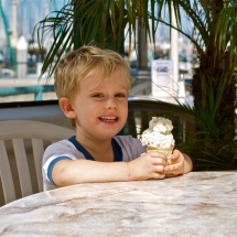 Breakwater-Restaurant-ice-cream