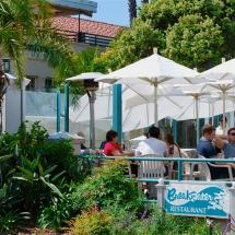 Breakwater-Restaurant-patio-dining