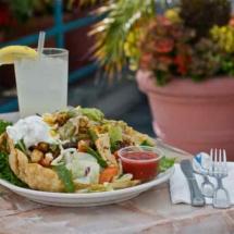 breakwater-restaurant-fajita-salad