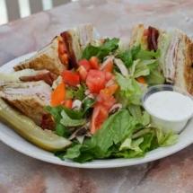 breakwater-restaurant-lunch-club-sandwich
